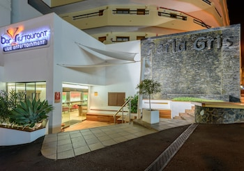 Picture of Pearly Grey Ocean Club Apartments & Suites in Adeje