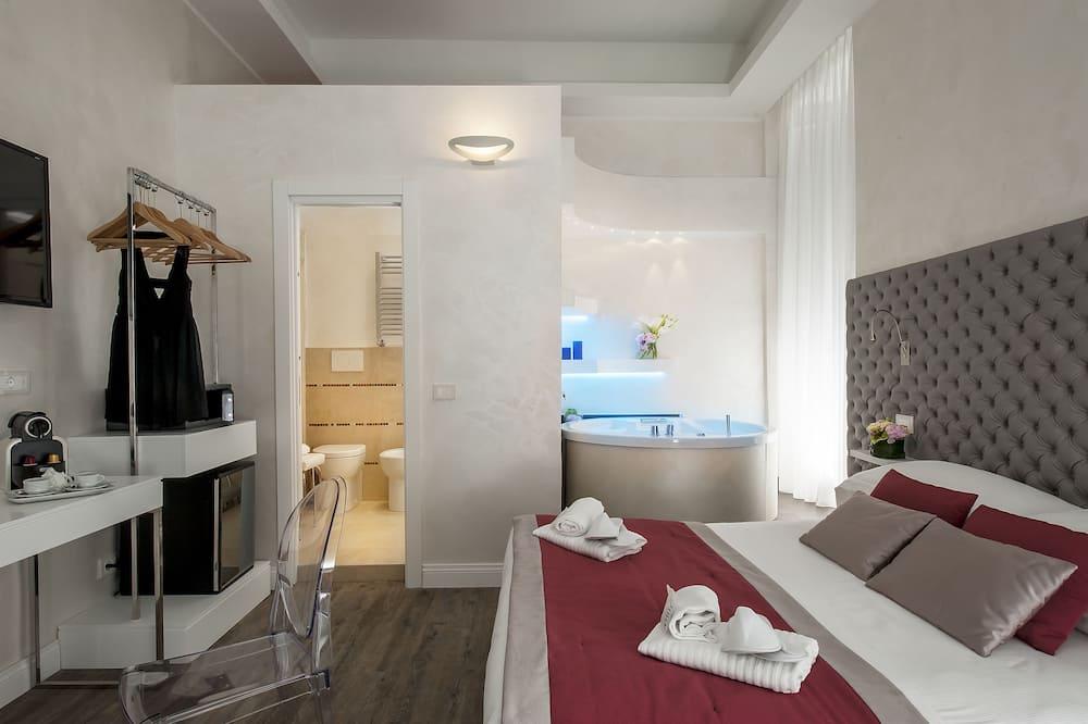 Junior Suite, 1 Double Bed - Living Area