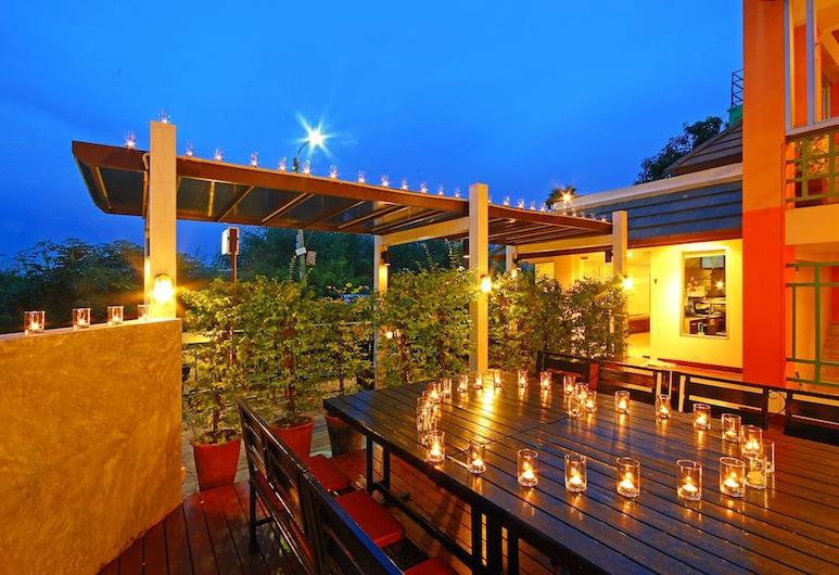Floral Shire Resort, Bangkok, Taras/patio