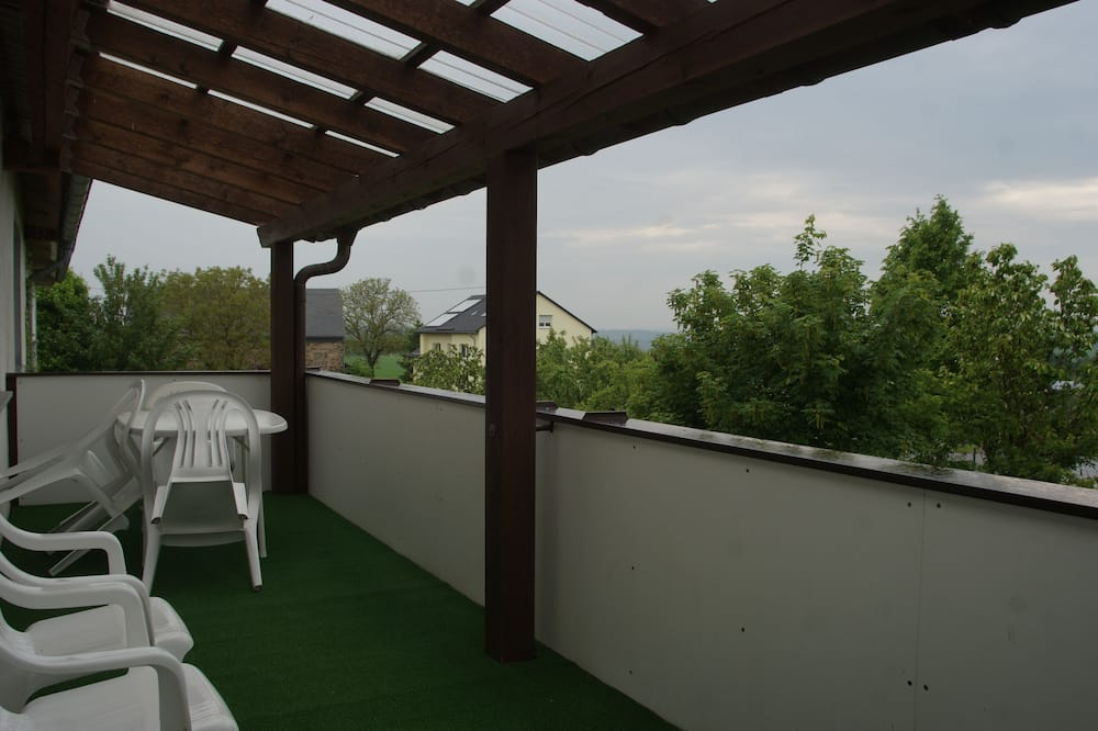 Семейные апартаменты, 3 спальни, 2 ванные комнаты - Балкон