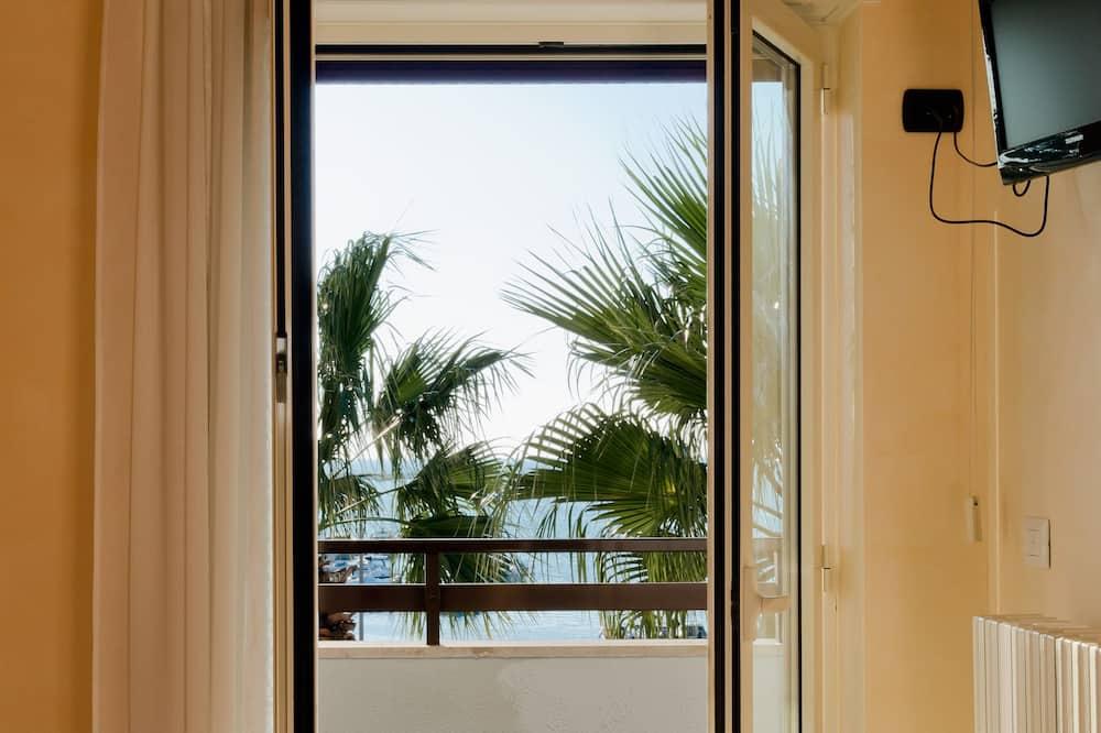 غرفة ديلوكس مزدوجة - بشرفة - بمنظر للبحر - منطقة المعيشة