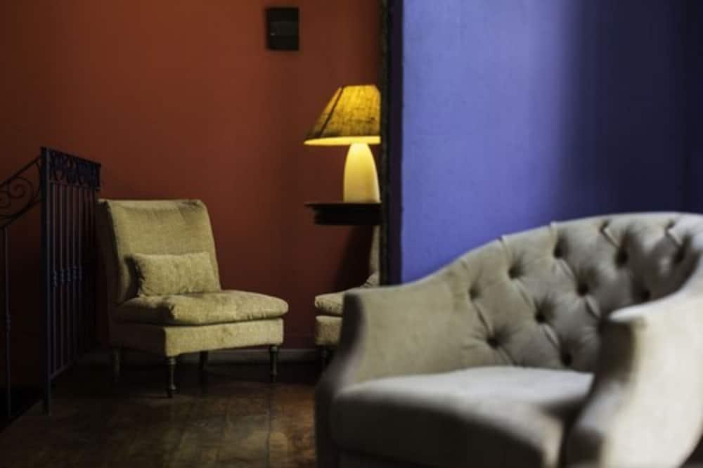 ห้องอีโคโนมีดับเบิลหรือทวิน - พื้นที่นั่งเล่น