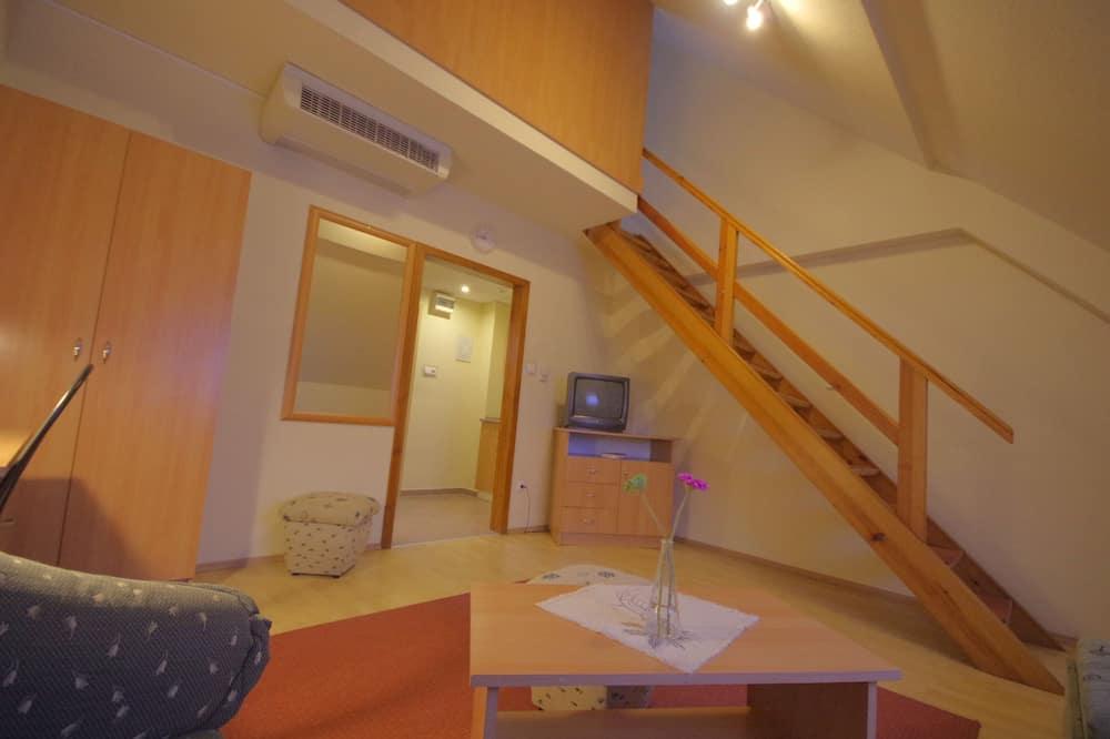 標準三人房, 1 間臥室 - 客廳