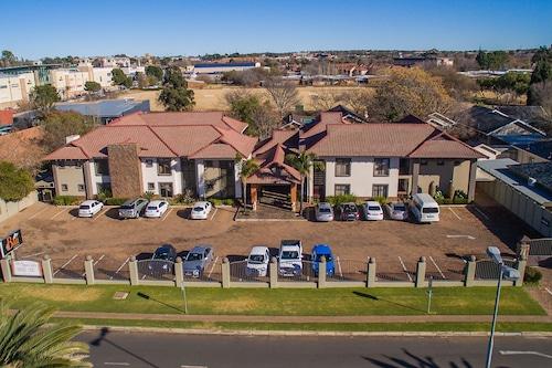 Villa Bali Luxury Guest House In Bloemfontein Book On Hotels Com