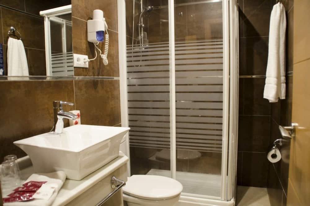 Apartmá typu Comfort, balkon - Koupelna