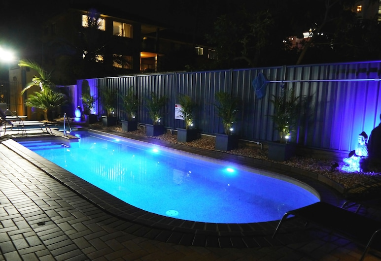 Portobello Resort Apartments, Mermaid Beach