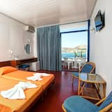 Economy Twin Room, 2 Twin Beds, Sea View - Living Room