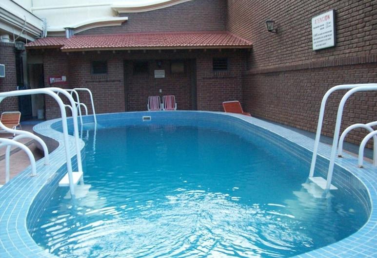 巴尔比大酒店, 曼道扎, 室外游泳池