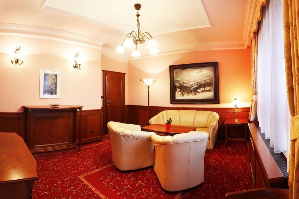 Королівський номер-люкс - Вітальня