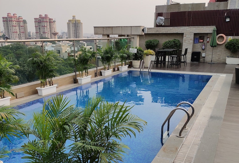 Country Inn & Suites by Radisson, Gurugram Sector 29, Gurugram, Rooftop Pool
