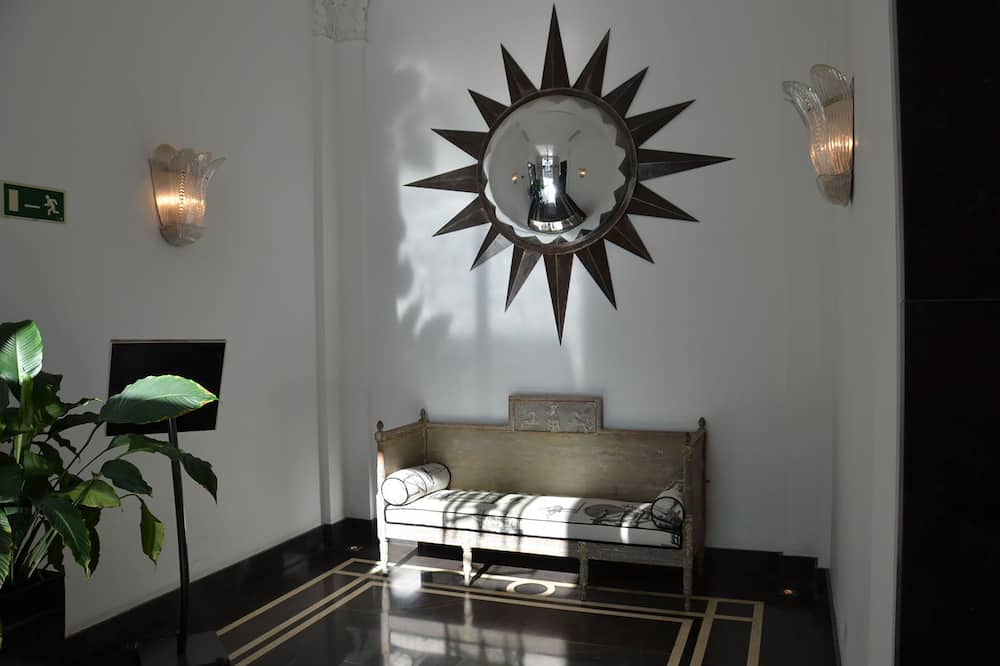 Junior Suite, 1 Bedroom - Bilik Rehat
