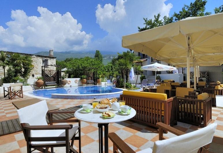 艾娜林酒店, 南皮立翁, 三人房, 地面, 陽台