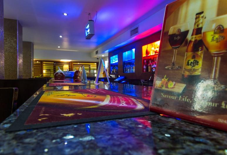 Best Western Premier Accra Airport Hotel, Accra, Sports Bar