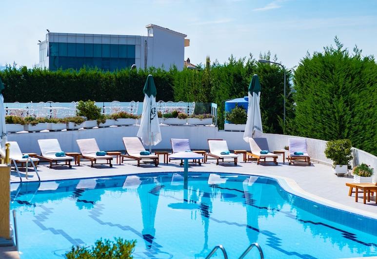 地拉那酒店机场店, 尼克尔, 室外游泳池