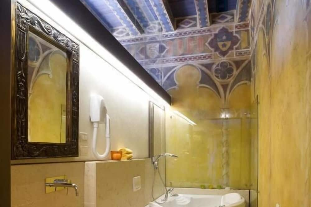 Phòng Suite Royal - Phòng tắm