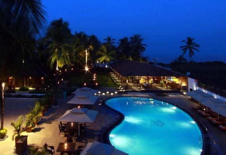 Marquis Beach Resort, Candolim, Πισίνα