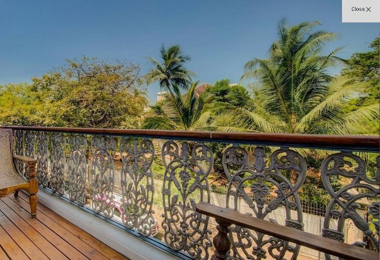 迪普莱酒店, 本地治里, 奢华套房, 1 张特大床, 阳台