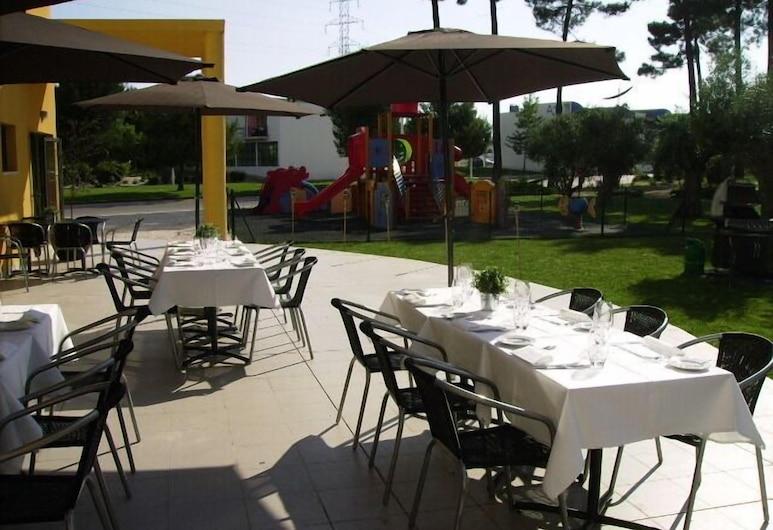 Arrabida Resort & Golf, Palmela, Restaurante al aire libre