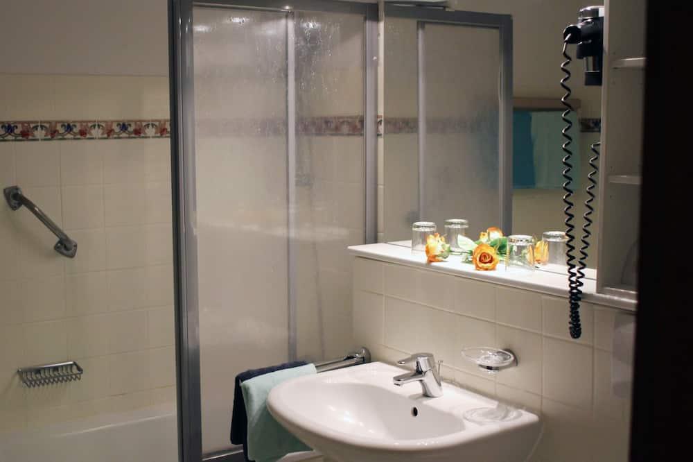 Apartments Type B Single Use - Badezimmer