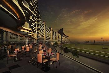 Image de The Meydan Hotel à Dubaï