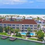 Westwinds Waterfront Resort, Treasure Island