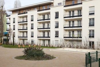 Picture of Comfort Suites Port-Marly Paris Ouest in Le Port-Marly