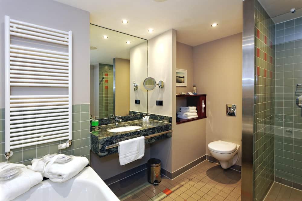 Superior Double Room (Large) - Bathroom