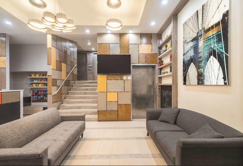 La Quinta Inn & Suites by Wyndham Brooklyn Downtown, Brooklyn, Lobi