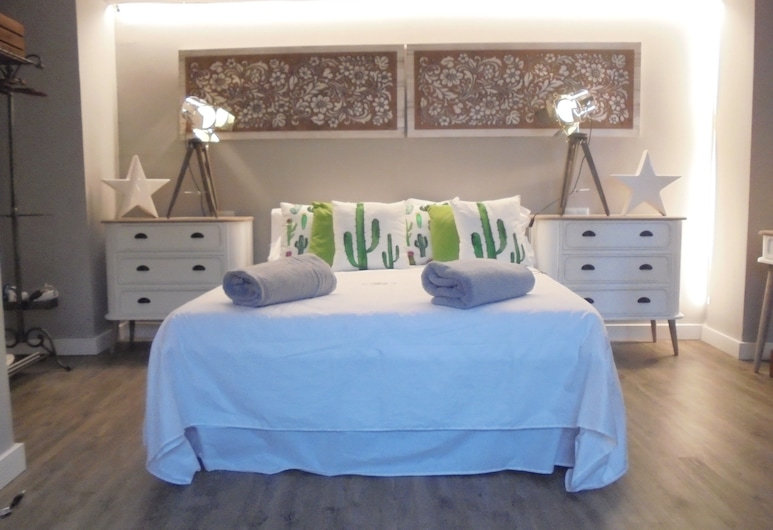 Hostal Tak, Marbella, Superior Double Room, 1 Double Bed, Guest Room