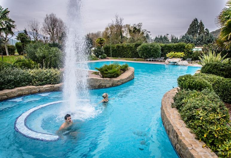 体育酒店, 加尔齐尼亚诺尔梅, 室外游泳池