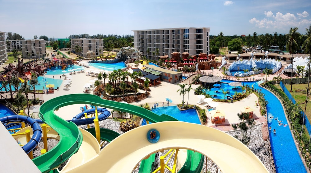 Grand West Sands Resort & Villas Phuket, Mai Khao