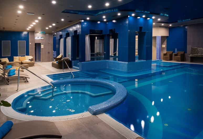 Golden Ball Club Hotel & Fitness, Gyor, Piscina cubierta