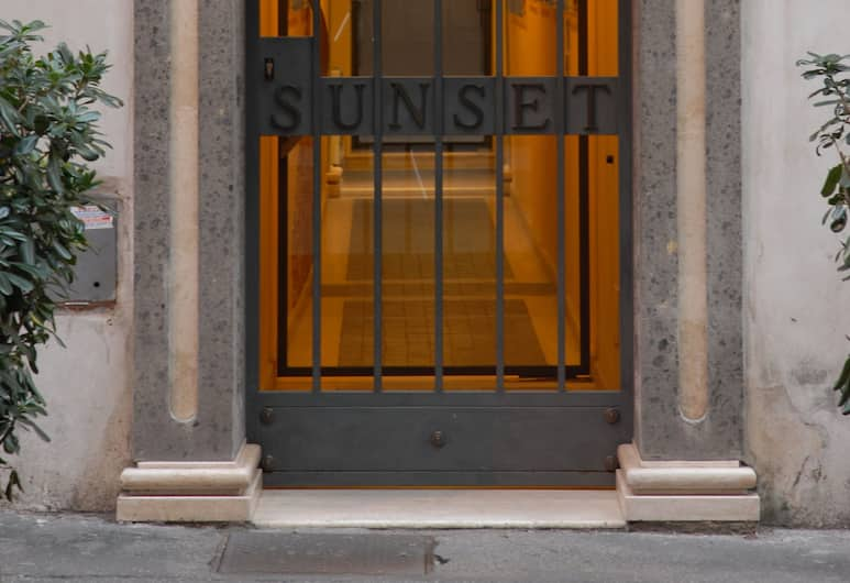 Sunset Roma, Roma, Dış Mekân