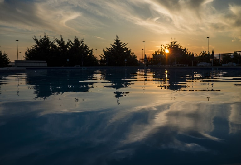 Domus Aurea Resort, רגוזה, בריכה חיצונית