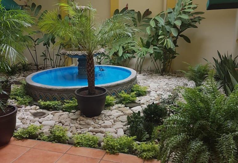 Hoteles Brandt, Managua, Fountain