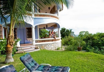 Picture of Bungalows Santa Cruz in Puerto Escondido