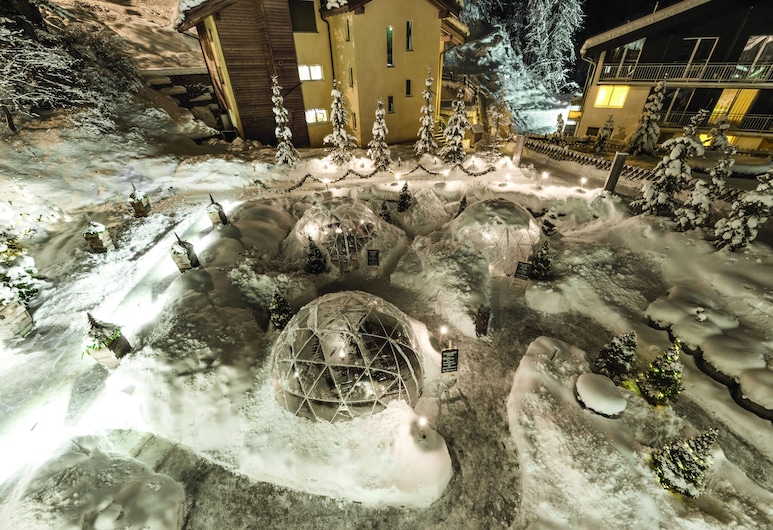 Hotel Matthiol, Zermatt, Hotellentré
