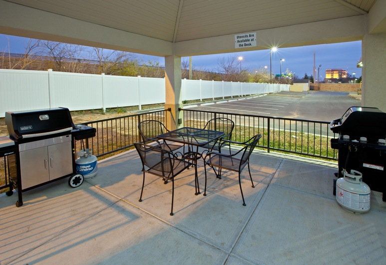 Candlewood Suites Indianapolis East, an IHG Hotel, Indianapolis, Balcony