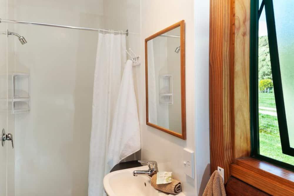 Dvoulůžkový pokoj, kuchyňský kout - Koupelna