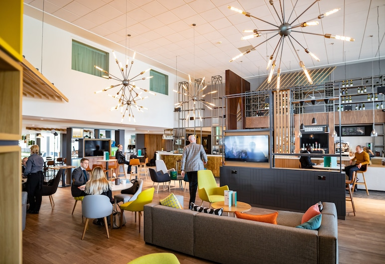 Holiday Inn Winchester, Winchester, Lobby