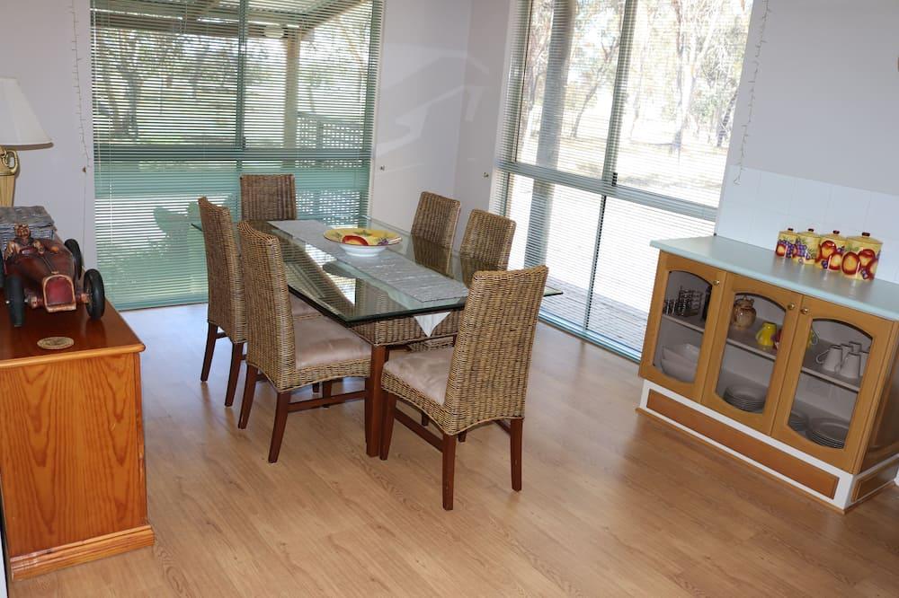 Luxus házikó, 2 hálószobával, kilátással a kertre - Nappali rész