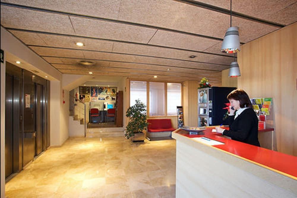 Hotel Basic, Vilafranca del Penedes
