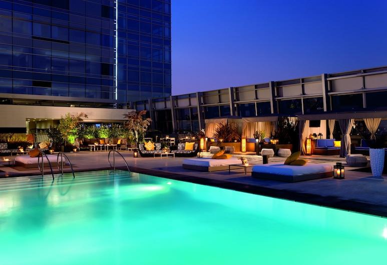 The Ritz-Carlton, Los Angeles, Los Angeles, Bassein