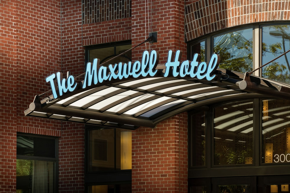 Staypineapple at The Maxwell Hotel, Seattle