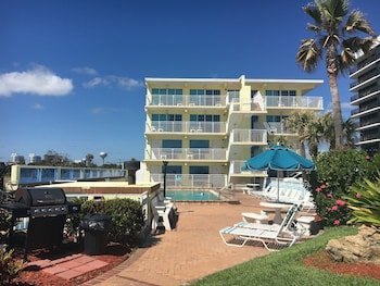 Picture of Sea Shells Beach Club in Daytona Beach