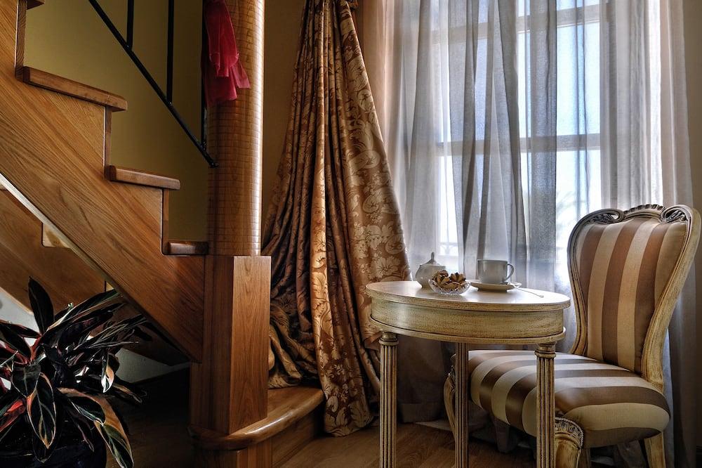 Deluxe Süit, Balkon, Şehir Manzaralı - Oturma Alanı