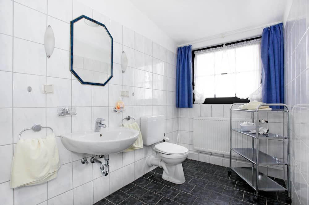 Double Room, Private Bathroom - Bathroom