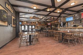 Gambar The Drake Inn di Canmore