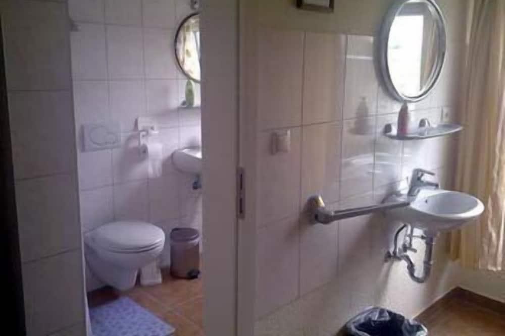Δίκλινο Δωμάτιο (Double), 2 Μονά Κρεβάτια - Μπάνιο