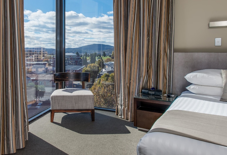 Mantra Collins Hotel, Hobart, One Bedroom Executive Apartment, Guest Room
